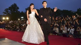 Riuh Netizen Sambut Rencana Pernikahan Song Joong Ki-Hye Kyo