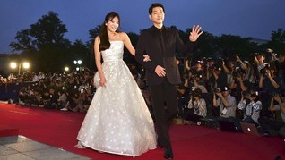 Gaya Kompak Serasi Pasangan Song Joong Ki dan Song Hye Kyo