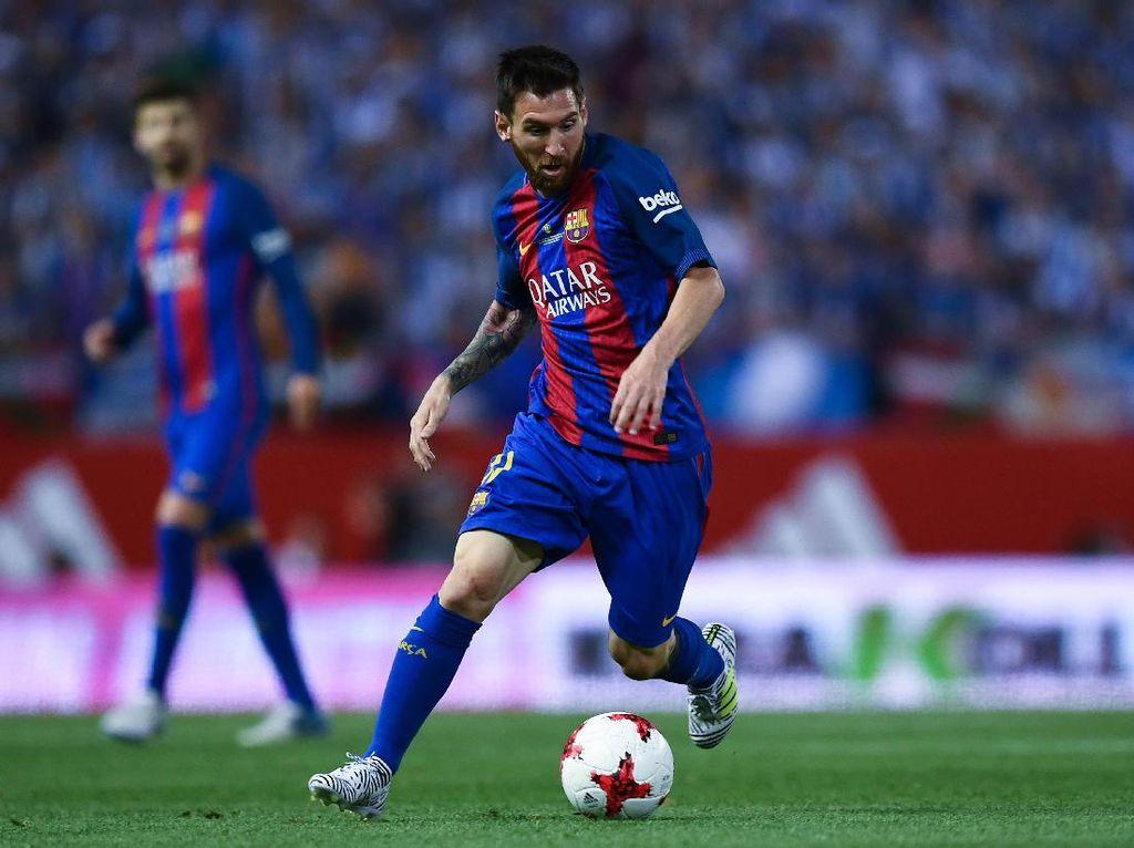 Lionel Messi adalah pemain dengan klausul pelepasan paling mahal di Camp Nou. Barcelona memagarinya dengan nilai 300 juta euro. (Foto: David Ramos/Getty Images)