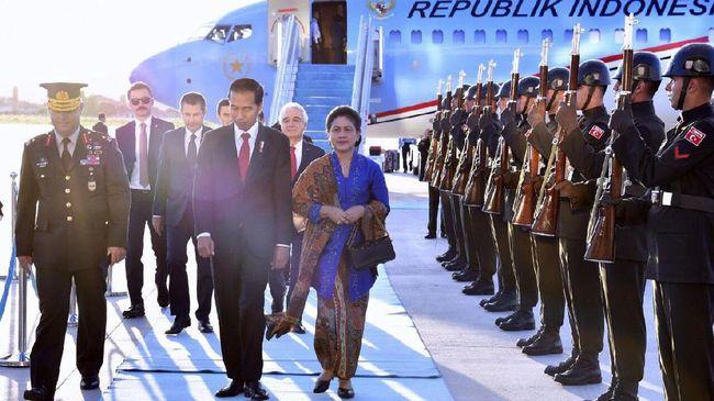 Presiden Jokowi dan Keluarga Tiba di Turki