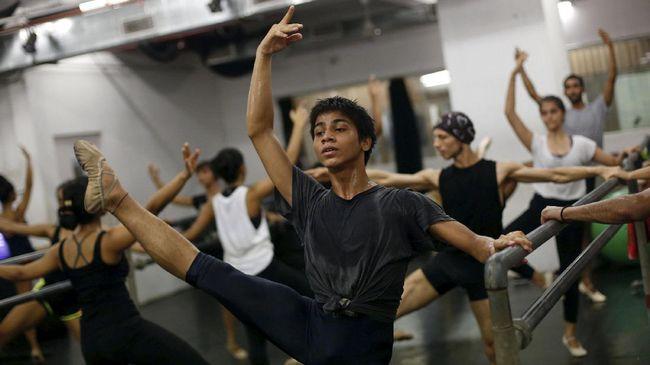 Ujung Kaki Anak Tukang Las Melangkah ke New York