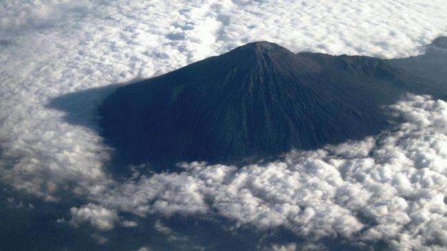 Gunung Slamet Waspada, PVMBG Minta Warga Tahu Potensi Erupsi