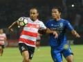 Jupe Menampik Rumor Bakal Tinggalkan Persib ke Klub Malaysia