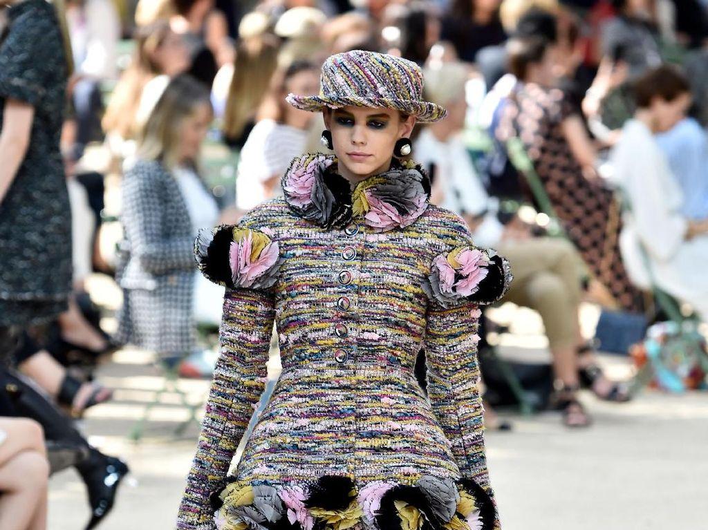 Foto: 20 Koleksi Terbaru Busana Chanel Couture Fall 2017