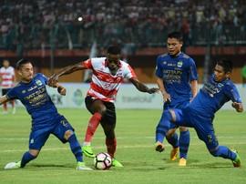 Mario Gomez Nantikan Kedatangan Pemain Baru Persib