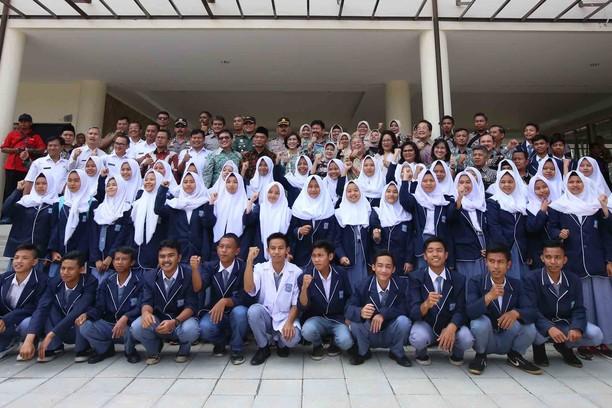 Astra Sumbang Rp 27 Miliar ke SMKN 1 Leuwiliang