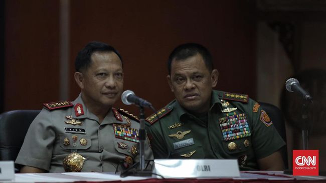 Tim 11 Tangani Polemik Senjata, Polri dan TNI Jaga Hubungan