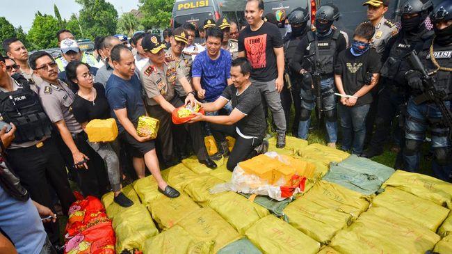 Polisi Tangkap Kapal Pesiar Pembawa Sabu Satu Ton