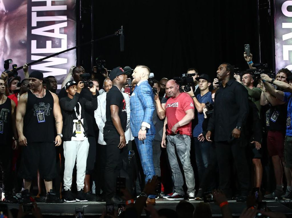 Duel Floyd Mayweather Jr. dengan Conor McGregor akan dilangsungkan di T-Mobile Arena, Nevada, pada 26 Agustus 2017 mendatang. Tom Szczerbowski-USA TODAY Sports.