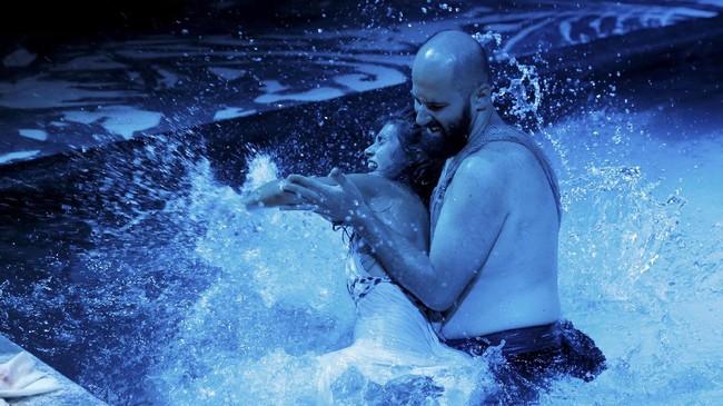 <p>Cinta yang luas itulah yang dimainkan oleh para seniman dalam Metamorphoses. Ada cinta yang ditolak, putus asa, cinta sedarah, bahkan pembunuhan dan pemerkosaan. (REUTERS/Darrin Zammit Lupi)</p>