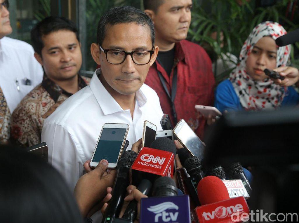 Untuk itu, izinkan saya masuk dulu ke dalam dan jangan suuzon bahwa ini dikaitkan dengan politik atau apa pun. Kita dukung langkah KPK untuk betul-betul membersihkan praktik-praktik korupsi di pemerintahan maupun di dunia usaha di Indonesia. Setelah pemeriksaan, saya akan berikan pernyataan lengkap, kata Sandiaga.