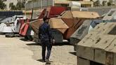 <p>Kini, penggunaan bom mobil menjadi cara umum yang digunakan militan dan pemberontak di Timur Tengah. (REUTERS/Thaier Al-Sudani)</p>