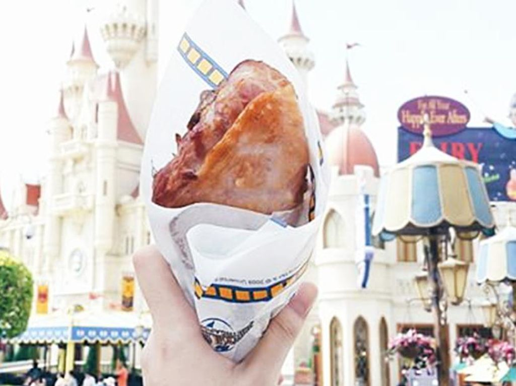 Turkey leg jadi makanan yang paling populer di Universal Studio Singapura. (Foto: Istimewa)