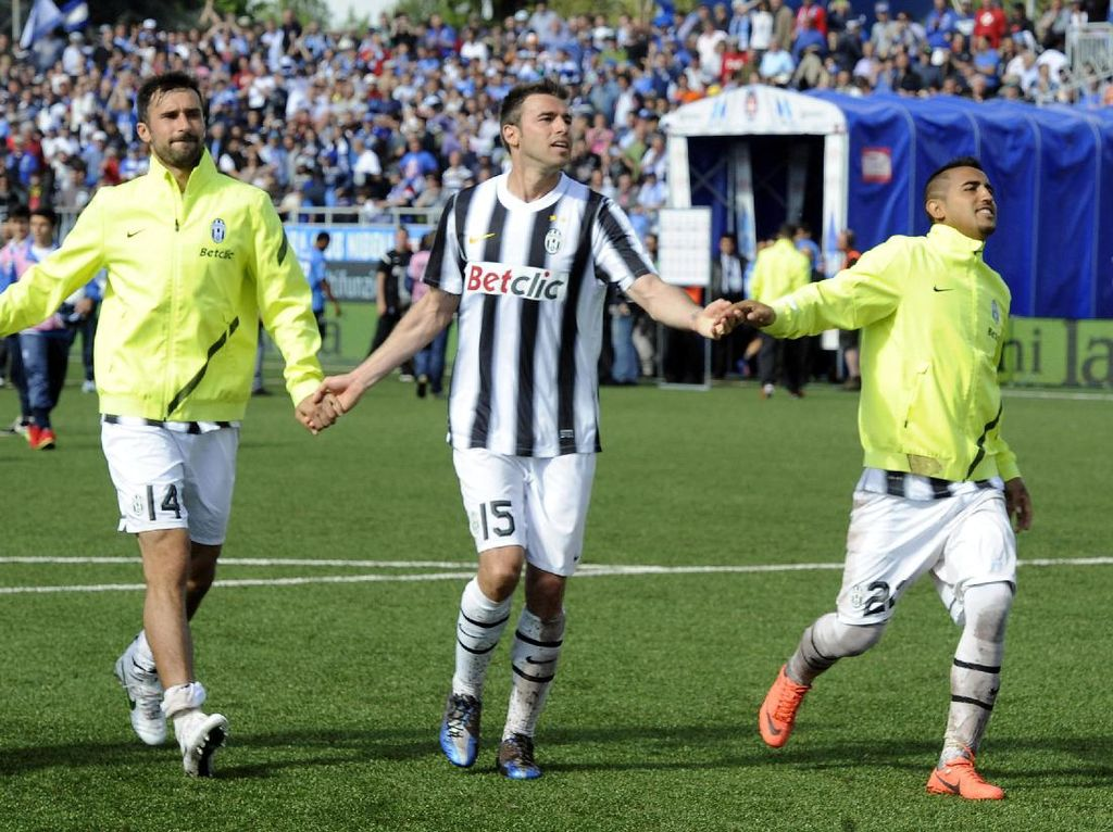Andrea Barzagli mungkin kini tak lagi terlalu diandalkan karena sudah berusia 36 tahun. Tapi dia adalah salah satu alasan Juventus bisa menemukan momentum bangkit di 2011/2012. (Foto: Getty Images)