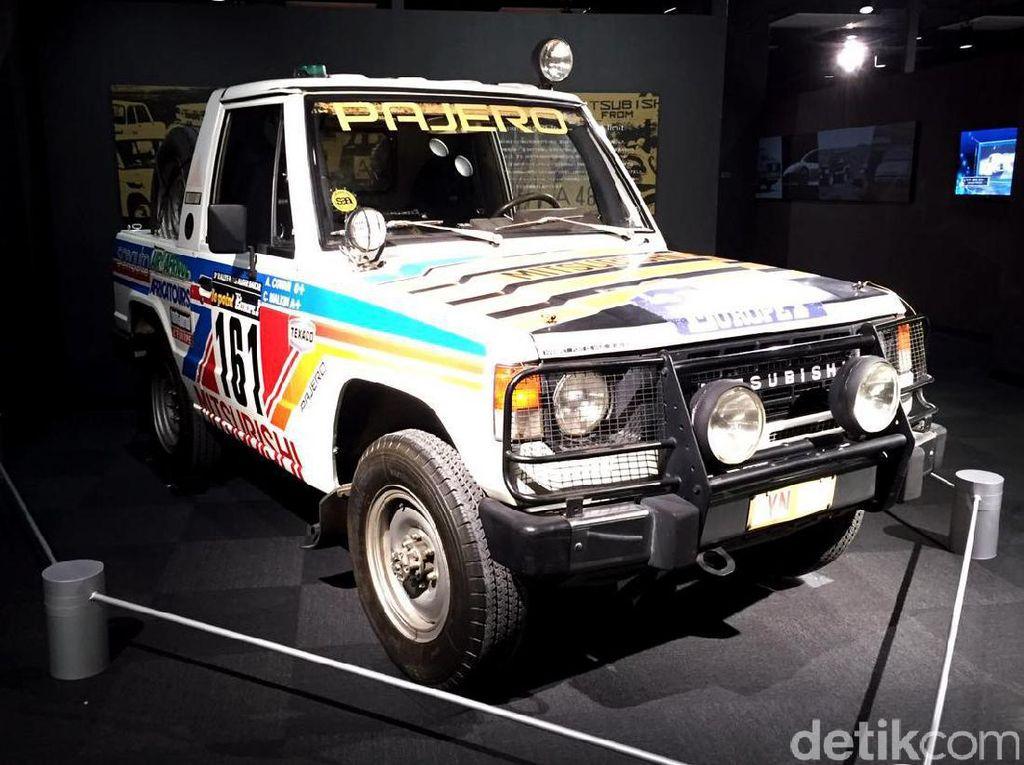 Tak hanya itu ada pula mobil reli Pajero yang juga pernah menjuarai reli.