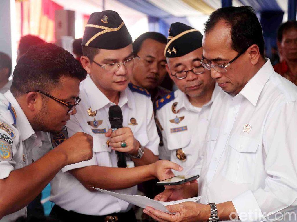 Selain peresmian perizinan online, pada hari yang sama juga diresmikan Fleet Management System yang dikembangkan oleh Perum PPD (Perusahaan Umum Pengangkutan Penumpang Djakarta).