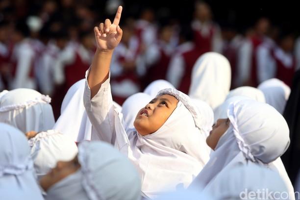 Begini Suasana Hari Pertama Masuk Sekolah di SD El Salam Bekasi