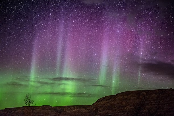 Potret Spektakuler Keajaiban Alam Cahaya Aurora