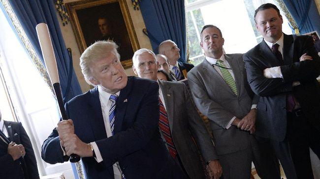 Lewat Telepon, Trump Gertak Presiden Meksiko soal Tembok