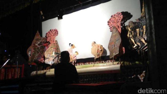 Musisi Muda Main Musik Keroncong di Solo Keroncong Festival