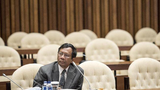 Mahfud MD Tersinggung pada Romi Soal Seragam Cawapres Jokowi