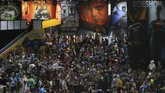San Diego Comic-Con International kembali digelar sejak Rabu (20/7). Perayaan bagi pencinta komik, film, dan budaya pop ini digelar di San Diego Convention Center hingga Minggu (23/7). (REUTERS/Mike Blake)