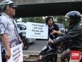 Pejalan Kaki Dipukul Helm Pengemudi Ojek Daring Cedera