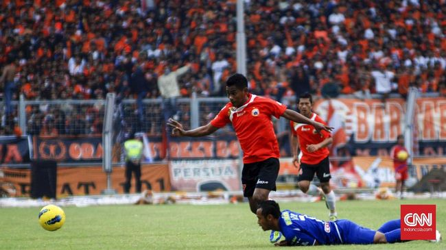 Kick Off Persija vs Persib Berpeluang Dimajukan