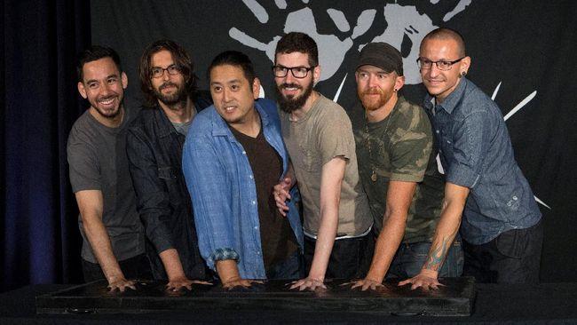 Oktober, Linkin Park Tampil Perdana Tanpa Chester Bennington