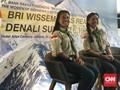 Mojang Bandung Populerkan Angklung di Puncak Denali
