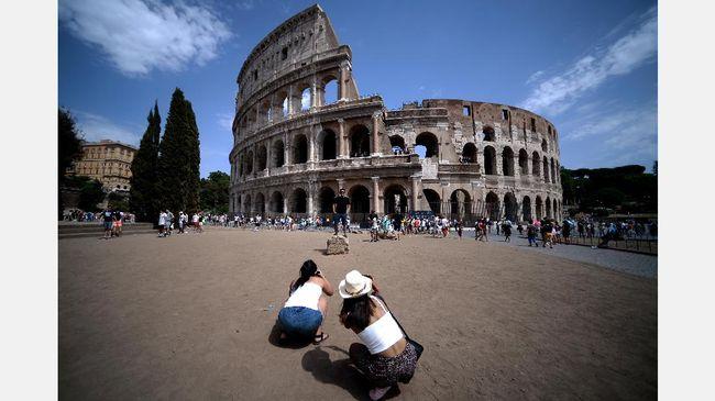 Waspada Teror, Italia Pasang Pengaman Jalan di Objek Wisata