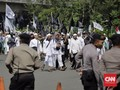 Aparat Bentuk Barikade, Massa Aksi 287 Terkurung di Monas