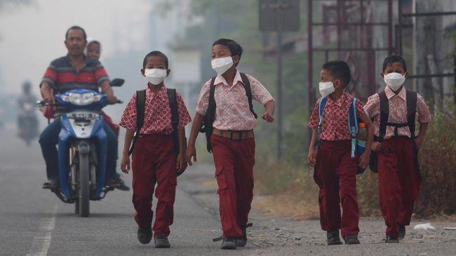 Kabut Asap Pekat Karhutla, Sekolah di Riau Diliburkan