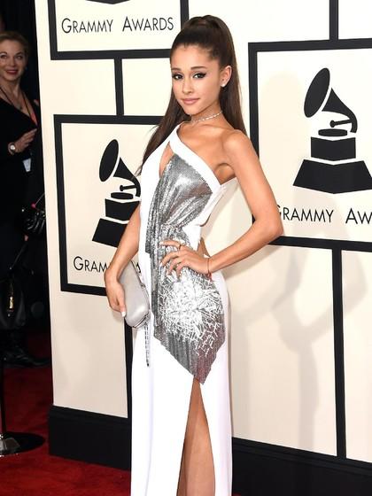 Laris Manis, Ariana Grande Raup Rp 2 Triliun dari Jualan Parfum