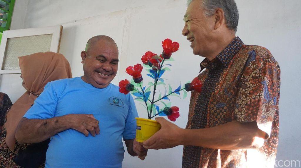 Potret Kebersamaan Duta WHO dan Eks Pasien Kusta di Ternate