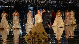 Foto: Mengintip Tren Gaun Couture India 2017