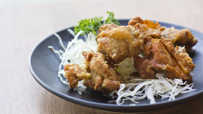 Ayam Goreng Saus Bau Kaki Perempuan, Karaage Aneh di Jepang