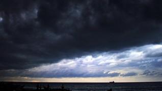 BMKG: Potensi Cuaca Buruk di Lampung Hingga Besok