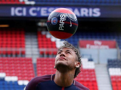 Nggak Cuma Jago Main Bola, Neymar Juga Punya Diet Sehat untuk Ditiru