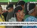 Alih-alih Peci, Calon Haji Yogyakarta Pilih Pakai Blankon