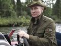 Putin: Saya Tidur dengan Senapan di Dekat Ranjang