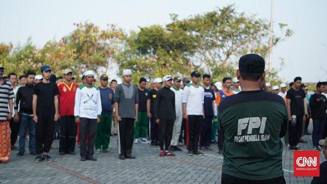 Laskar Fpi Latihan Berbaris Jelang Milad Akbar Ke 19