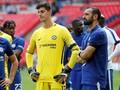 Courtois Serang Suporter Chelsea