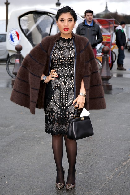 Foto: Gaya Stylish Putri Raja Thailand di Paris Fashion Week