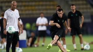 Zidane Kecewa Madrid Lepas Ronaldo dan Pertahankan Bale
