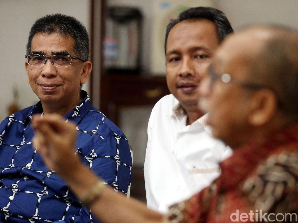 Penundaan pencairan dana tersebut ditenggarai karena masalah kepengurusan KONI DKI Jakarta masih memiliki kendala terkait mediasi dengan Forum Cabang Olahraga yang diketuai Alex Asmasoebrata tidak kunjung memenuhi titik temu.