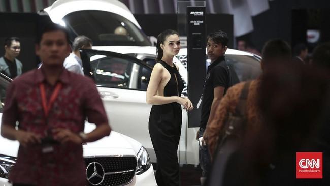 <p>Selain sebagai ajang pameran, GIIAS 2017 juga ingin mengajak masyarakat Indonesia untuk lebih memahami informasi kemajuan otomotif global danmengedukasi pengunjung mengenai perkembangan terkini industri otomotif. (CNN Indonesia/Andry Novelino)</p>