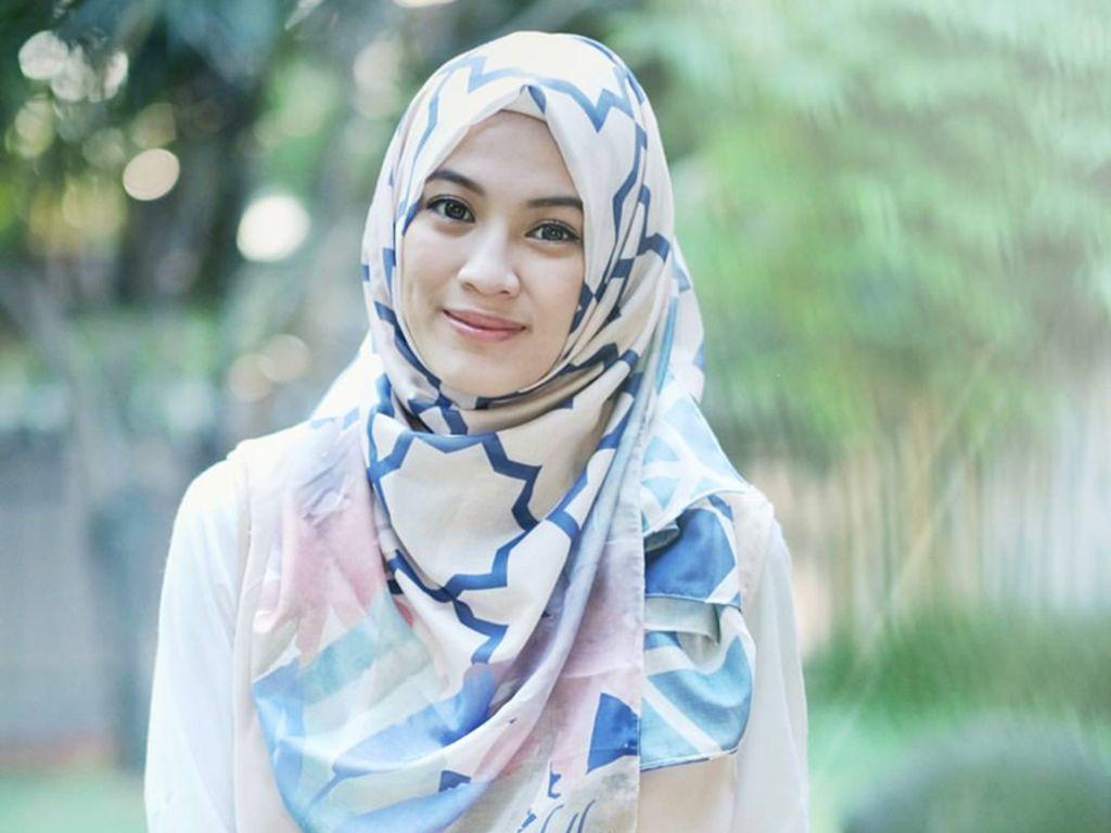 Foto: 10 Artis Muda Indonesia Tampil Cantik Memakai Hijab