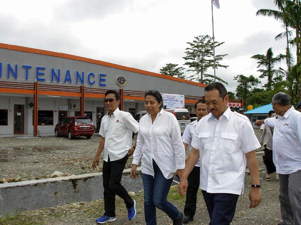 Program ini menggunakan produk salah satu anak usaha Semen Indonesia yaitu Semen Tonasa. Pengiriman perdana dari Makassar ke pelabuhan Timika dengan volume 312 ton. Istimewa.