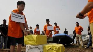 Polisi Ringkus Penyelundup 38 Bal Pakaian Bekas Ilegal